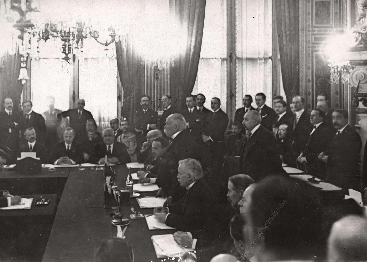 Semnarea Tratatului de Pace cu Germania de la Versailles